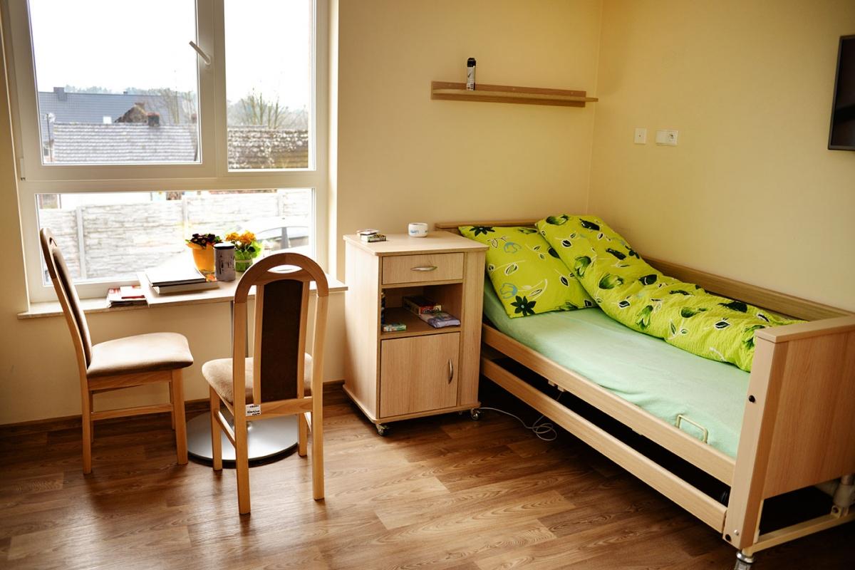 3 bett zimmer edessa rezydencja seniora. Black Bedroom Furniture Sets. Home Design Ideas